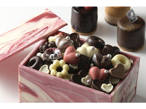 アルコールも楽しめる!バレンタインシーズン限定のチョコレートブッフェ