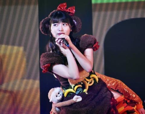 AKB48久保怜音、動物コスプレでファンをメロメロに センター宣言でも沸かす