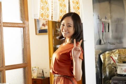 今泉佑唯、とびきりかわいいオフショット 松本穂香の妹役で明るい女の子を表現