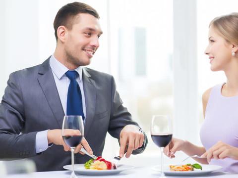 男性が内心イライラしてる女性の食事中の言動