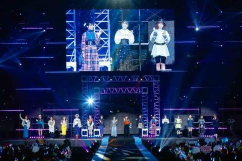 """日向坂46、センター小坂不在も""""新型""""ライブで2.5万人魅了"""
