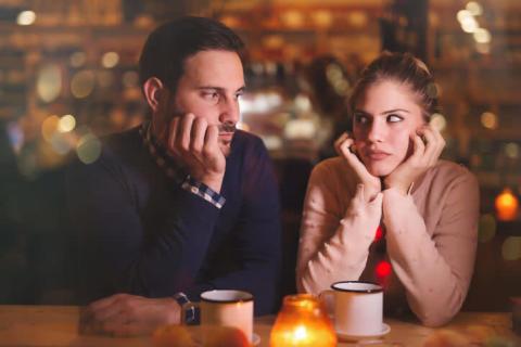 男性から「付き合わないほうがいいかな…」と思われる女性の特徴
