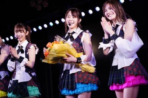 AKB48峯岸みなみ、公演1000回出演達成 涙まじりに劇場愛語る