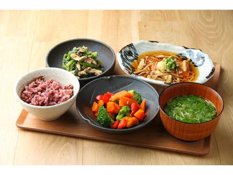 『東京アスリート食堂』が管理栄養士監修のレシピを公開中