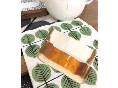 パンの端切れ生地を使ったサスティナブル&リーズナブルなレアチーズケーキ