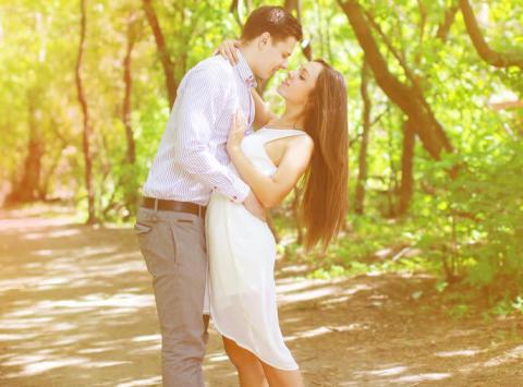 男性が思わず「真剣交際」したくなる!魅力的な女性の特徴とは?
