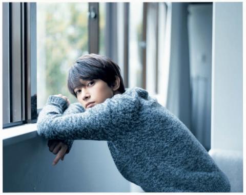 俳優たちの素顔に迫る『ViVi』人気グラビア企画を再編集 吉沢亮、中村倫也らが登場