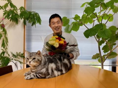 内藤剛志の誕生日、一課長ファミリー総勢11人が自撮り動画で祝福