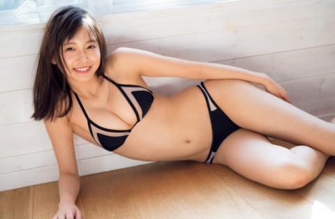 女子大生お天気キャスター・志田音々、しなやかなフレッシュボディを披露