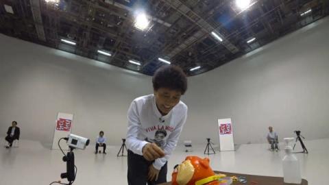 浜田雅功、後輩芸人と懐かしおもちゃを満喫 張り切ってだるま落としも赤面結末に?