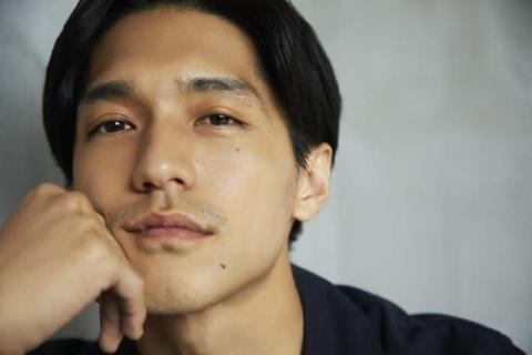 錦戸亮、メイベリンブランドサポーターに就任「誰かの背中を押してあげることができたら」