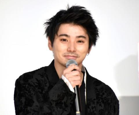 村上虹郎、アソシエイトプロデューサー小泉今日子に感謝「専用ドライバーみたいだった」
