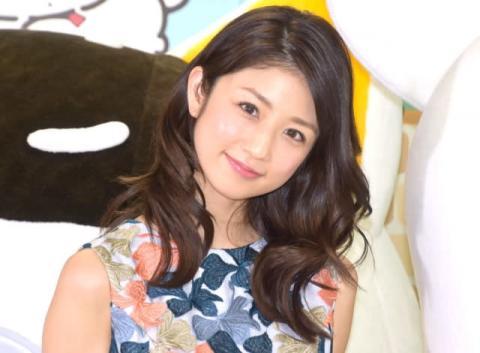 小倉優子、息子たちの3ショットを公開「幸せな光景」「3人ともとっても可愛い」