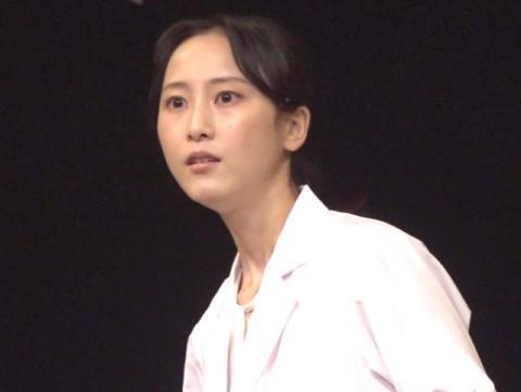 """松井玲奈、初の""""ひとり芝居"""" 変幻自在な表情で魅了"""