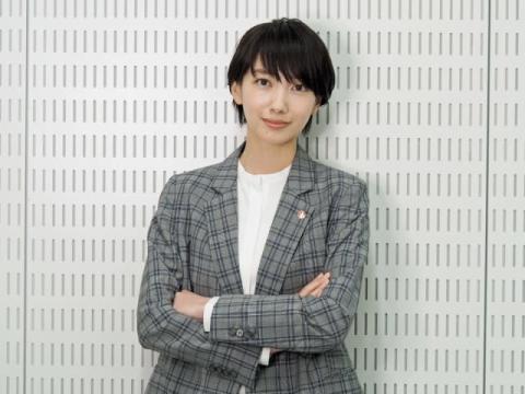 波瑠、20代最後の1年「思い出を意識して作っていきたい」 『未解決の女』インタビュー