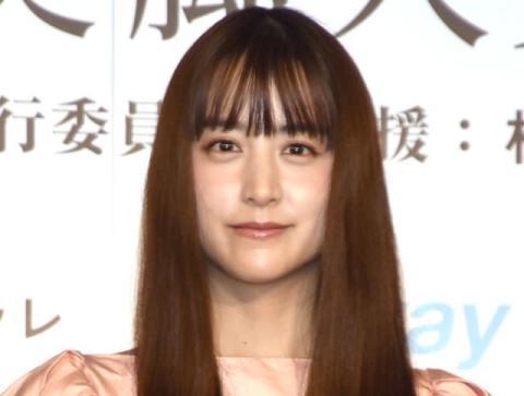 山本美月、髪バッサリカットでイメチェン「お人形さんみたい」「美しすぎる…」