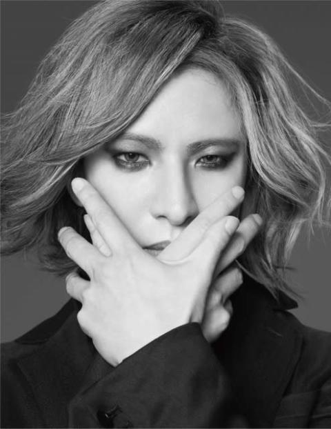 YOSHIKI、『24時間テレビ』にLAから緊急出演 医療従事者へ捧ぐ「Forever Love」を披露