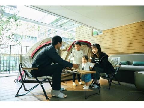 街中のホテルでグランピング!客室の開放的なテラスで楽しむ宿泊プラン