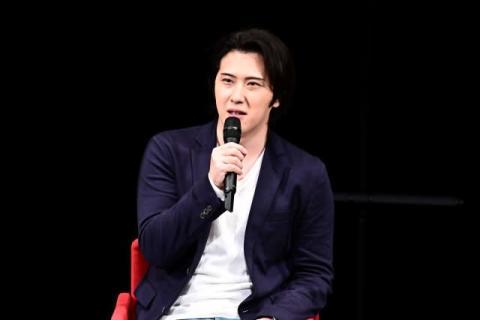 尾上松也、『半沢直樹』で再撮願望?「ドアップの顔芸がほしい」 歌舞伎先輩の演技に脱帽