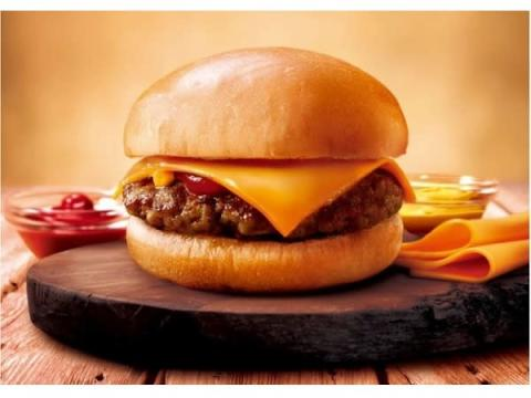 ファミマのハンバーガーが全面リニューアル!新バーガー2種も登場