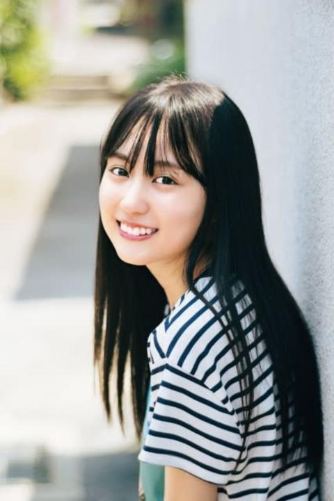 乃木坂46・賀喜遥香、夏らしさあふれる爽やかグラビア ピュアな笑顔で魅了