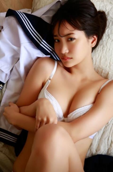 永尾まりやが、セーラー服を着てみたら… 夢あふれる妄想のデジタル写真集発売