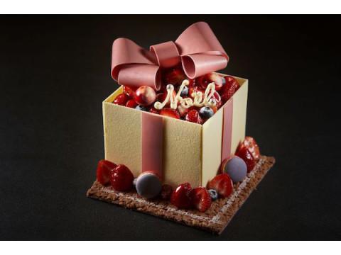 まるで宝石箱!10台限定のフォトジェニックなクリスマスケーキが登場
