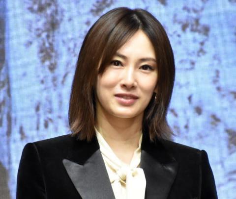 北川景子、第1子出産後初の公の場 満面の笑みで「ありがとうございます!」