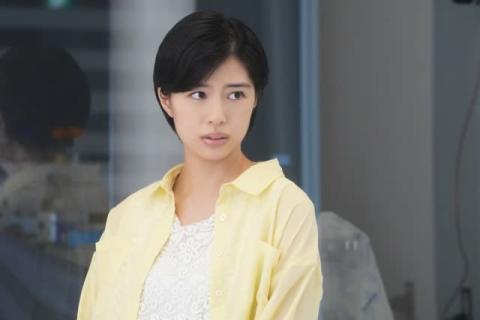 佐久間由衣、『監察医 朝顔』第3話ゲスト出演 上野樹里らとの共演に感激「今回の現場は宝物でした」