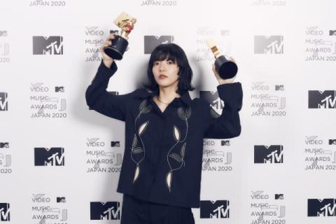 【MTV VMAJ】あいみょん「裸の心」で2冠達成「自分にとってめちゃめちゃチャレンジやった」