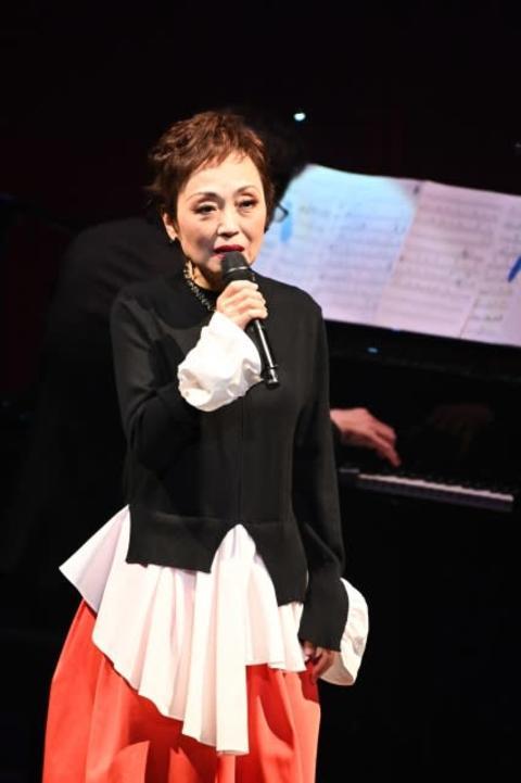 クミコ、歌うことへの決意新た「小さな灯のようになれれば」 2月以来のコンサート