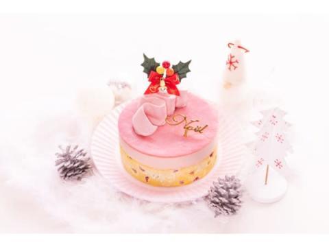 売上の一部をピンクリボン運動に寄付する「ピンクリボンクリスマスケーキ」