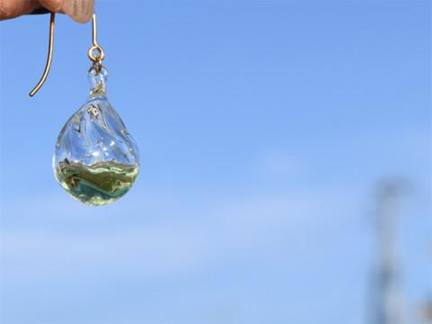 """福島の硝子職人による""""アロマオイルを注入できるガラスアクセサリー""""発売"""