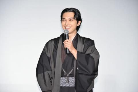 吉沢亮、紅白ゲスト審査員は「座っているだけでもビビりました」