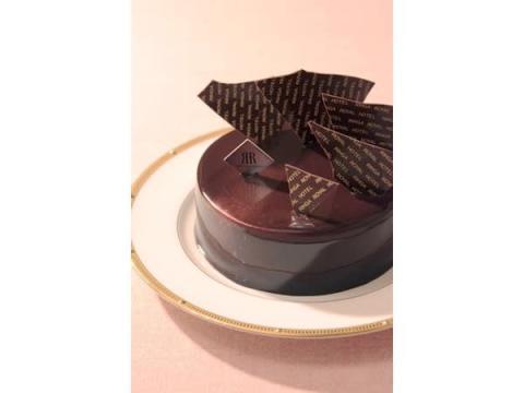 ハッピーエンドを手伝うバレンタインケーキ「オペレッタ」が登場