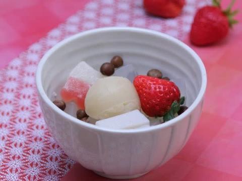 苺×ミルク餡の1月限定スイーツ!船橋屋「苺ミルクあんみつ」が発売中