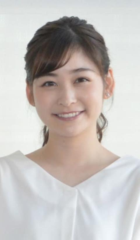 岩田絵里奈アナ、ハーフの姪と2ショット「顔面偏差値高過ぎ」「可愛すぎて息できない!」