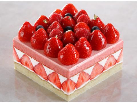 ホテルで桃の節句をお祝い!「ひな祭りケーキ&桃の節句プラン」が登場