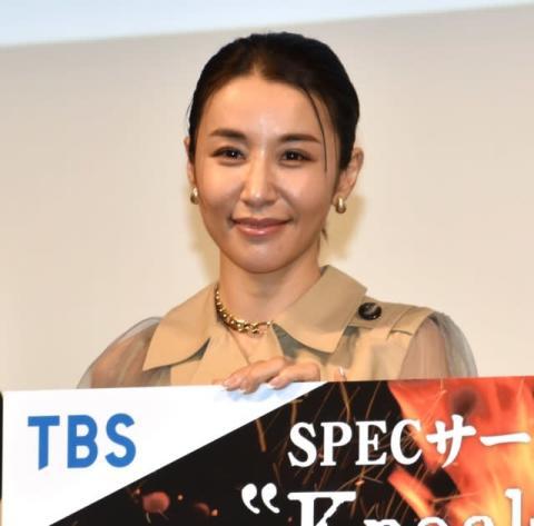 43歳・鈴木紗理奈、20代の役に自虐「無理があるのは気づいてる」