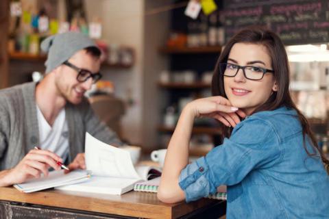 周りにバレずに社内恋愛を上手に進められる男性4タイプ
