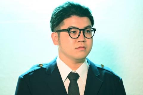 亀梨和也主演『レッドアイズ』にTKda黒ぶち登場 おなじみの黒ぶち眼鏡姿でラッパーゲスト初の警官役