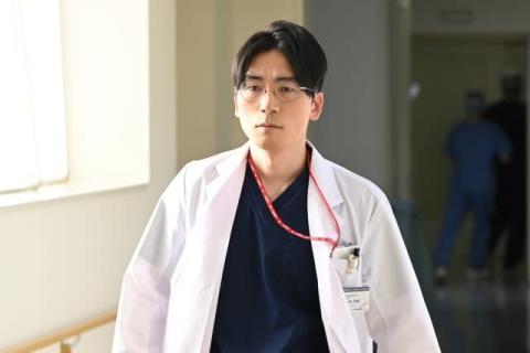 亀梨和也主演『レッドアイズ』にラッパー・DOTAMA登場 医師役に挑戦、緊迫した空気で「非常に緊張」