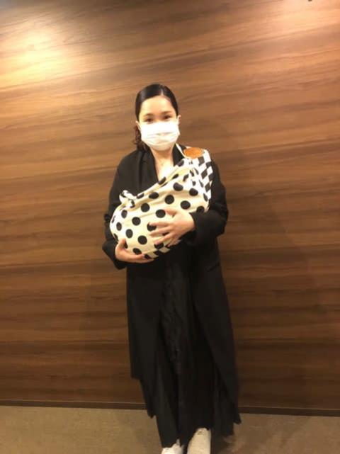 """平野ノラ""""ママの顔""""チラリ 母娘写真公開に「念願のツーショット素敵」"""
