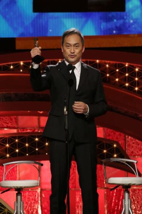 【日本アカデミー賞】渡辺謙が初の最優秀助演男優賞「福島のみなさん、獲りました」