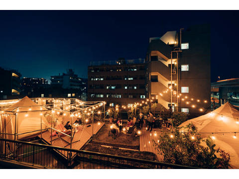 ビルの屋上でグランピング!横浜のゲストハウスがリニューアルオープン