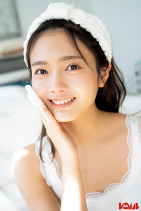 """櫻坂46""""彼女にしたいNo.1""""田村保乃と一緒に暮らしたら… 『BOMB』初単独表紙&彼女感グラビア"""