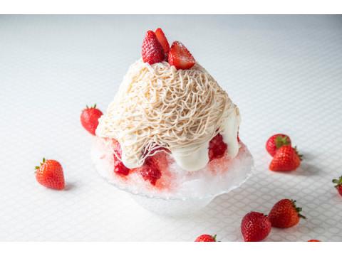 """苺とクリームチーズの絞りたてクリーム!""""大人のデザートかき氷""""が登場"""