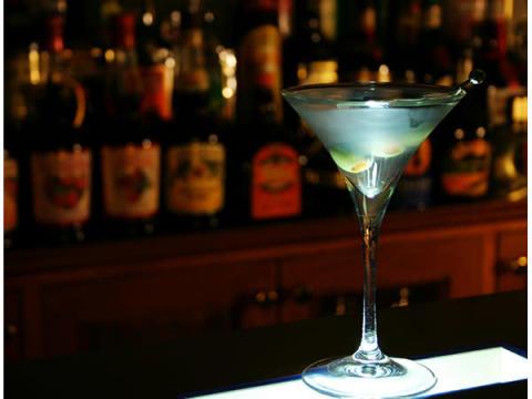 京都・丹後の夜を楽しむオーセンティックバー「Bar Belini」がオープン