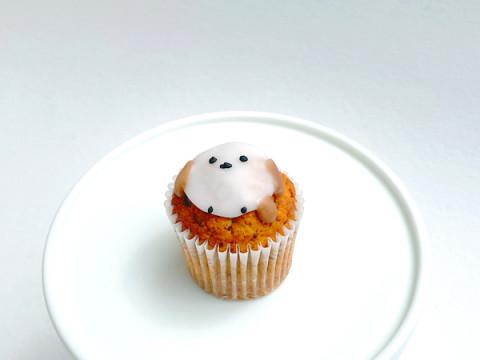 ファン必見!「シマエナガ」の新作カップケーキがオンラインショップに登場
