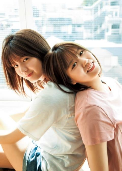 櫻坂46関有美子&武元唯衣、初ペアグラビア 美脚生かしハイヒール姿を披露